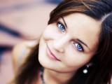 pretty-girl-with-blue-eyes-wallpaper-53385c9fcf37a