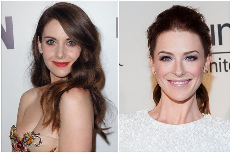 Alison Brie et Bridget Regan (1982)