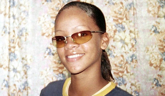 Rihanna en mode adolescente