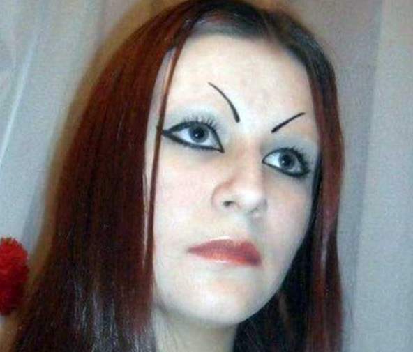 photo hilarante sourcil improbable