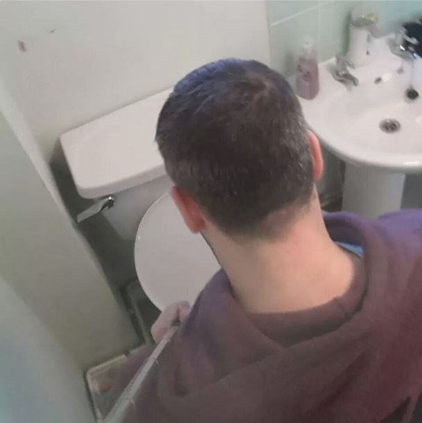 selfies ridicules au toilette